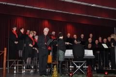 Kerstconcert Posterholt: Paul introduceert de te zingen werken